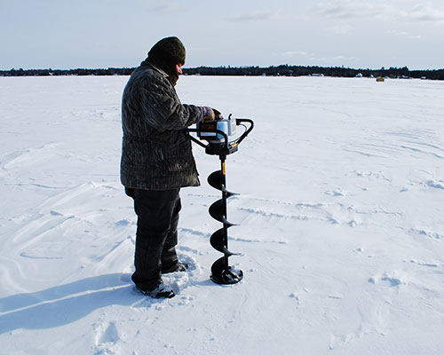 Ice Fishing Gulliver Lake